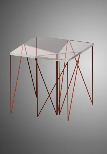 TriangleToSquare – a modular side table